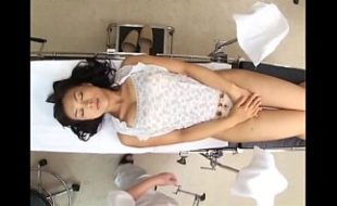 Doutor Ginecologista fodendo gostoso paciente oriental