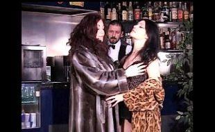Jessica e Raiza Em Orgyas Safadas em Show de Rock