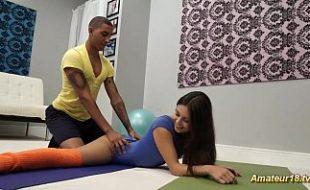 Morena Safada trepando gostoso com professor de Yoga