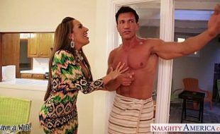 Vizinha tarada atacou o marido da amiga
