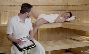 Fodeu na sauna com o professor charmoso